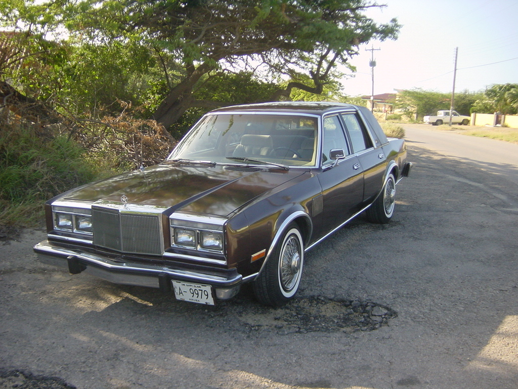 poppetjesweet 1982 Chrysler Fifth Ave 11572516