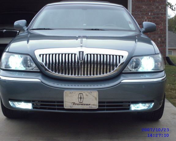 papa 99 2003 lincoln town car specs photos modification info at cardomain. Black Bedroom Furniture Sets. Home Design Ideas
