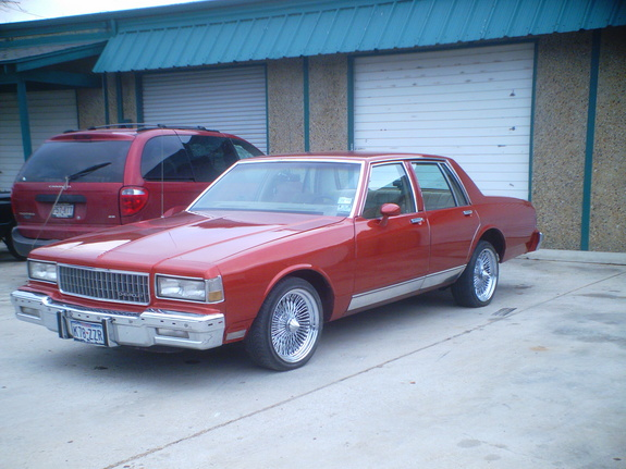 Chitowngangsta1 1985 Chevrolet Caprice Specs, Photos