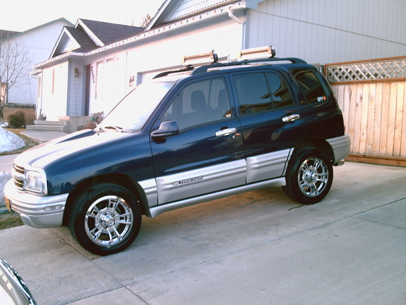 taylortracker 2002 chevrolet tracker specs photos. Black Bedroom Furniture Sets. Home Design Ideas