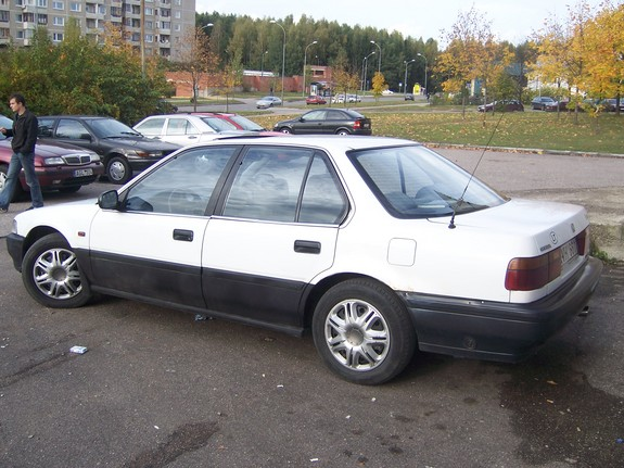 Another selter 1990 Honda Accord post... - 10842939