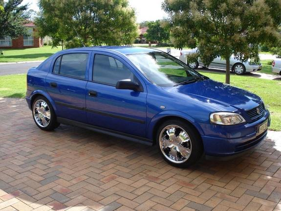 Another nos72 2004 Holden Astra post... - 10851997