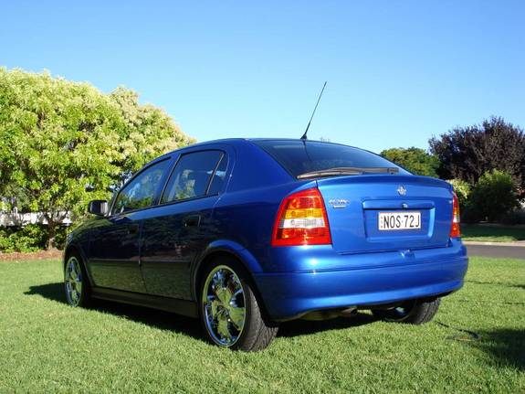 Another nos72 2004 Holden Astra post... - 10851998