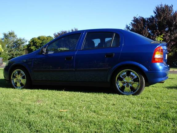 Another nos72 2004 Holden Astra post... - 10851999