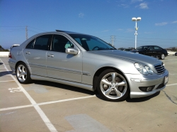 I_Drive_TOYOTAs 2005 Mercedes-Benz C-Class