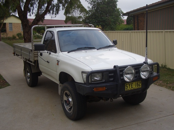 Another jordoz 1993 Toyota HiLux post... - 10904555