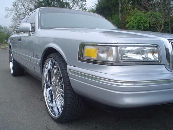 Another Johnny4638 1995 Lincoln Town Car Post Photo 10905538
