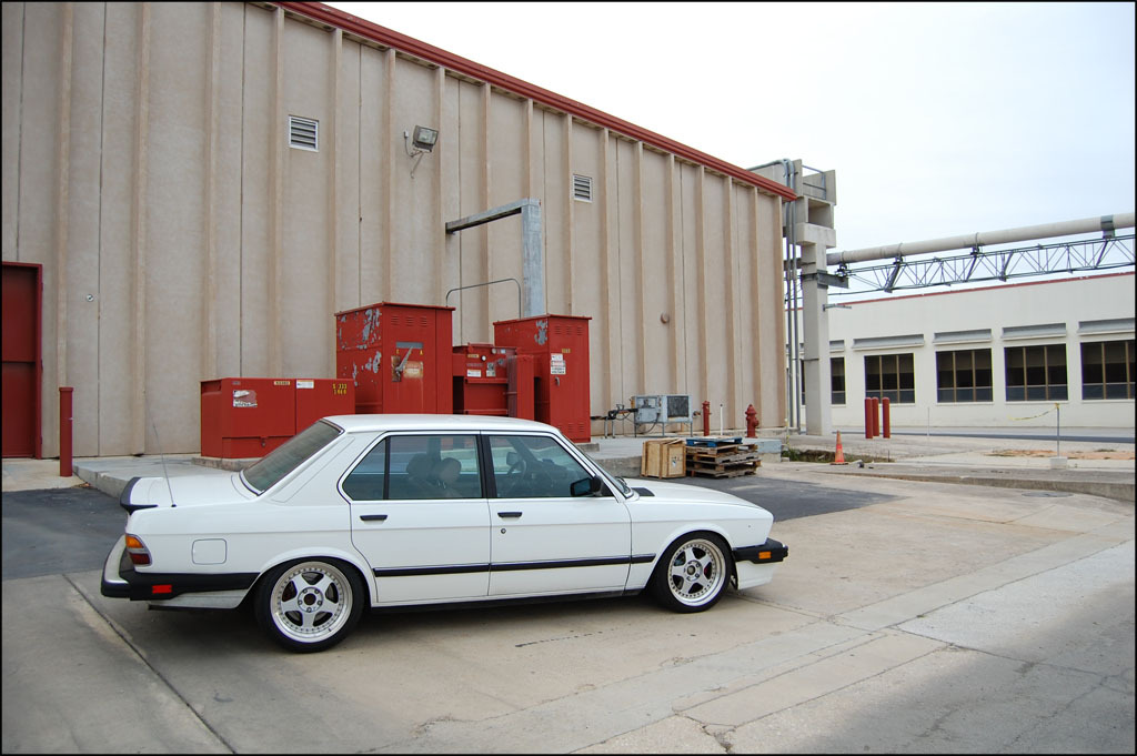 Another BigBronzeRim 1987 BMW 5 Series post... - 10919490