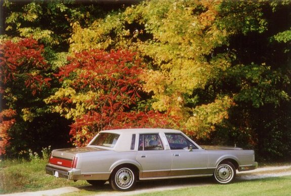 Another MyDazzlingDodge 1987 Lincoln Town Car post... - 10925077