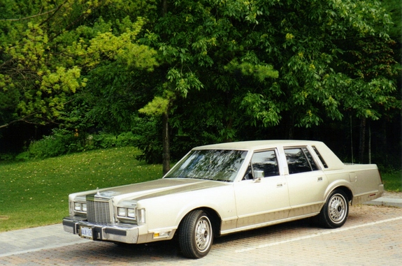Another MyDazzlingDodge 1987 Lincoln Town Car post... - 10925078