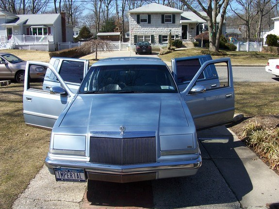 mamrom 1993 Chrysler Imperial 9360721