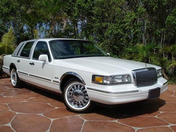 tzbrandon 1997 lincoln town car specs photos modification info at cardomain. Black Bedroom Furniture Sets. Home Design Ideas