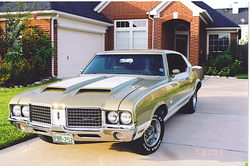 82667s 1972 Oldsmobile Cutlass Supreme