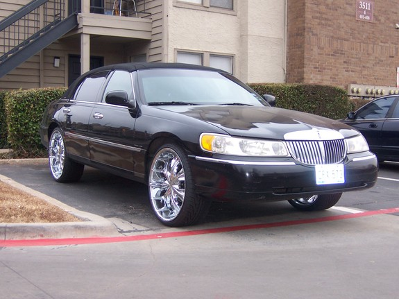 Fabulous Fred 2001 Lincoln Town Car Specs Photos