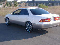 kickerxs50s 1998 Lexus ES