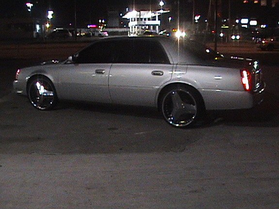 Another Htx_Lac_on_Chopz 2002 Cadillac DeVille post... - 9115569