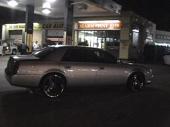 Another Htx_Lac_on_Chopz 2002 Cadillac DeVille post... - 9115571