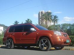 pOng-Gee 2004 Nissan X-trail