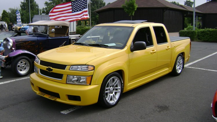 pin cool chevy colorado lowrider pictures on pinterest. Black Bedroom Furniture Sets. Home Design Ideas