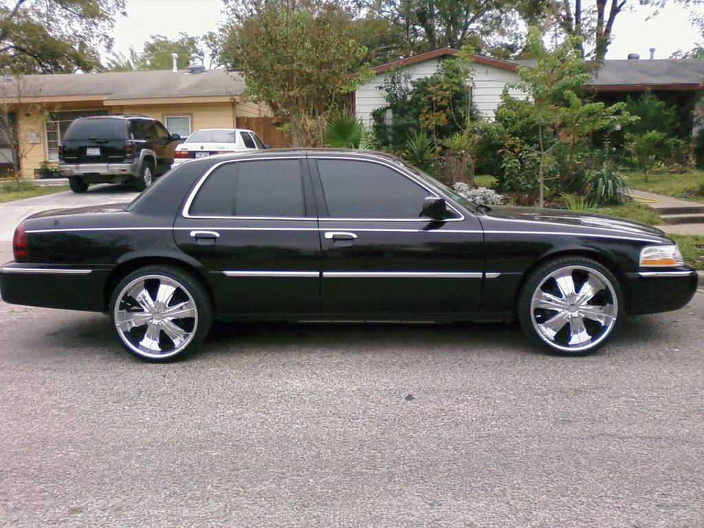 210Stunnin 2006 Mercury Grand Marquis
