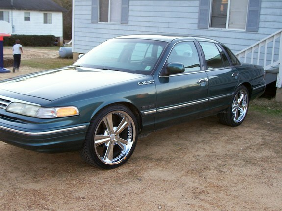 Another UTownBallers 1995 Ford Crown Victoria post... - 11049949