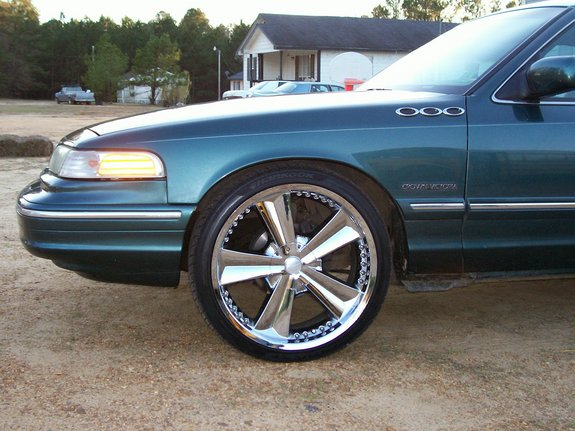 Another UTownBallers 1995 Ford Crown Victoria post... - 11049950