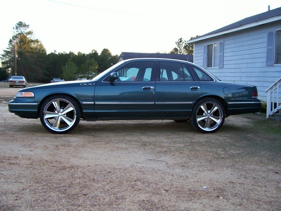 Another UTownBallers 1995 Ford Crown Victoria post... - 11049951