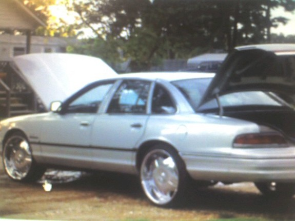 Another akeemshavers 1993 Ford Crown Victoria post... - 11053613