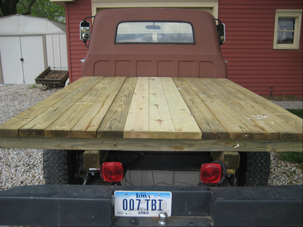 building a wood flatbed for pickup truck