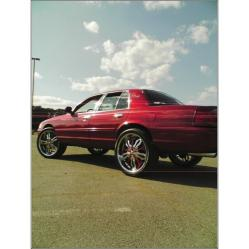 nda03Vics 2003 Ford Crown Victoria