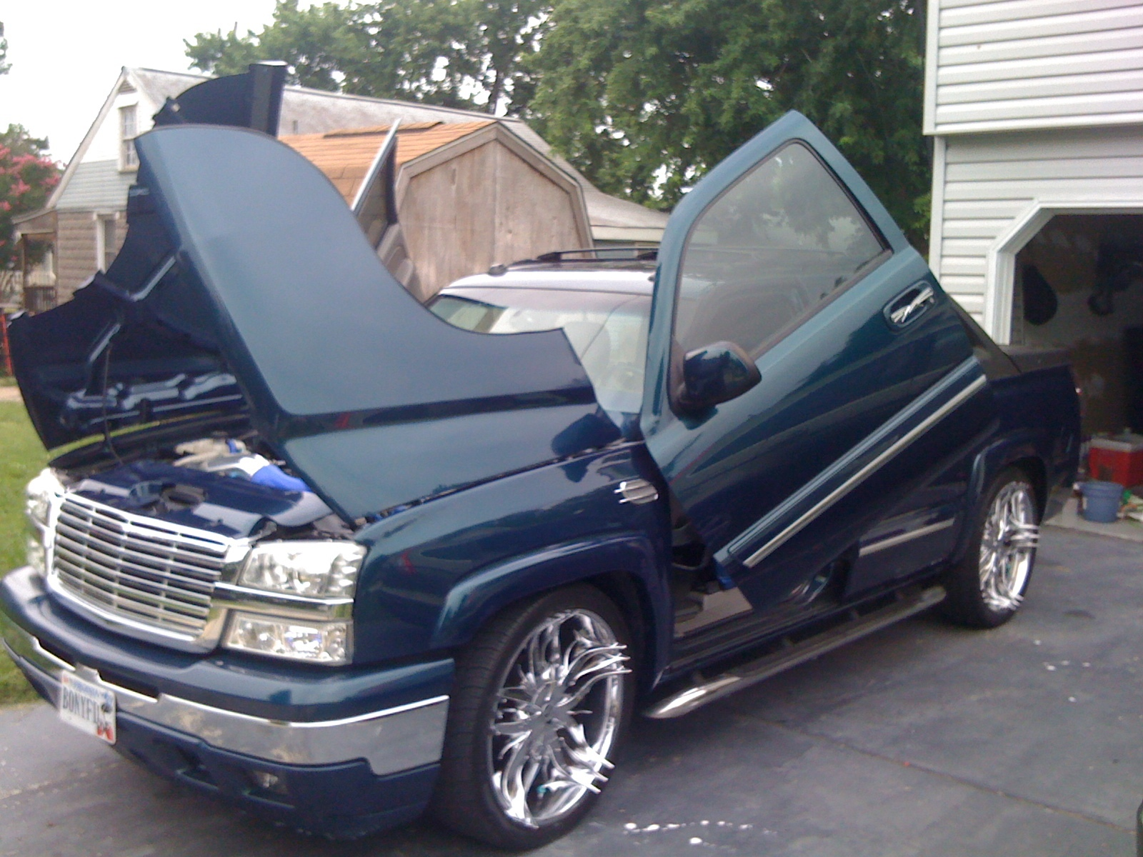 mrredd 2005 chevrolet avalanche specs photos. Black Bedroom Furniture Sets. Home Design Ideas