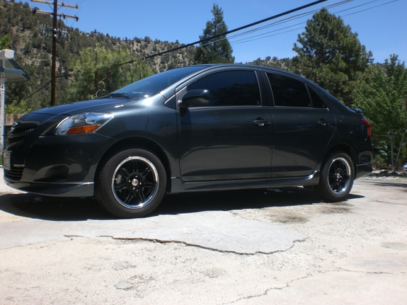 Another skater_4ever11 2008 Toyota Yaris post... - 11079978