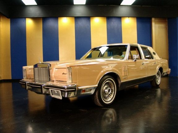 ValerieJo's 1983 Lincoln Mark VI