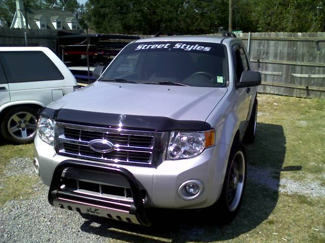 E_Weezy504 2008 Ford Escape