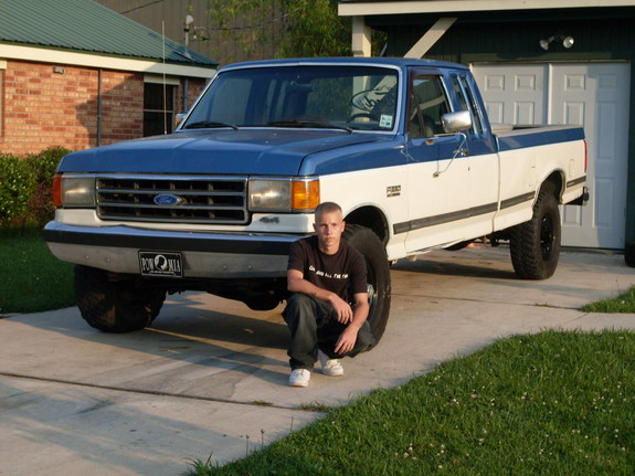 truck bed lift system with 1991 Ford F150 Regular Cab on 1407 2006 Dodge Ram 2500 Mega Cab Overkill moreover Self Propelled Modular Transporters Spmt together with  besides Watch additionally Burt Reynolds 1978 Trans Bandit Auction Actors Financial Troubles.