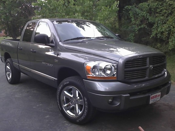 trenabol10 2006 dodge ram 1500 regular cab specs photos modification info at cardomain. Black Bedroom Furniture Sets. Home Design Ideas