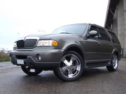 wristels 2001 Lincoln Navigator