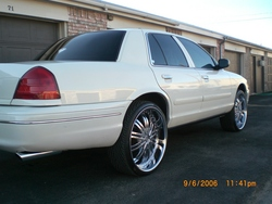 1-SICK-P-71 2001 Ford Crown Victoria