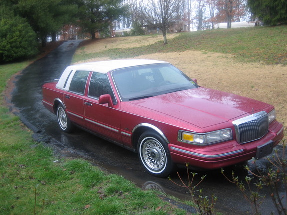 Big Red Lincoln 1995 Lincoln Town Car Specs Photos Modification