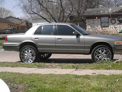 LooMaSs 1999 Ford Crown Victoria