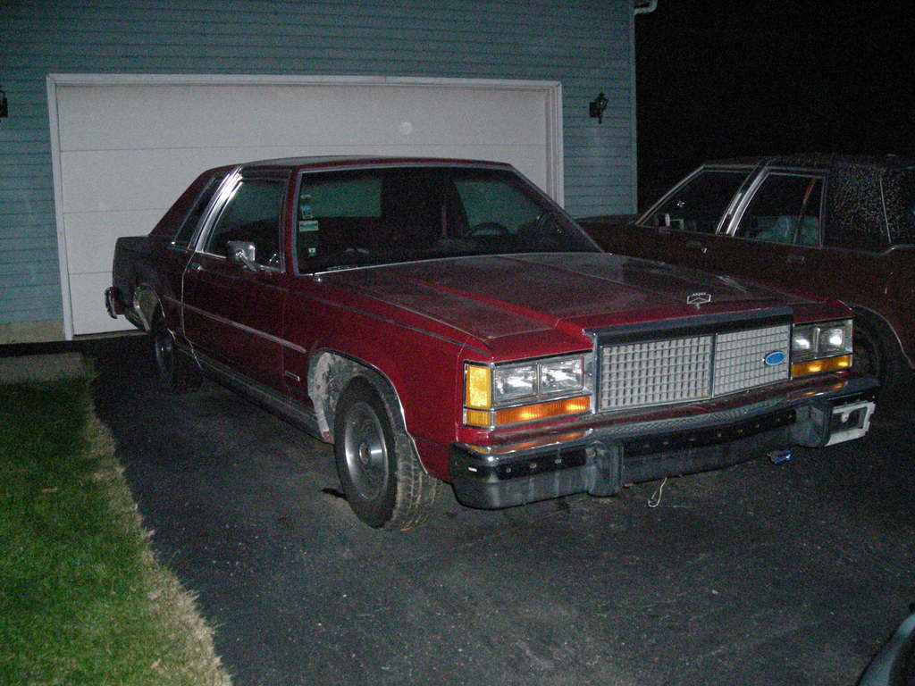 Roadkillstash 1982 Ford Ltd Crown Victoria Specs Photos
