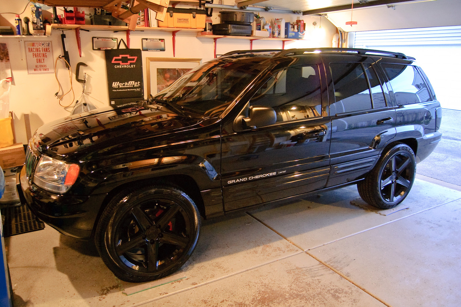 adamj 2002 Jeep Grand Cherokee