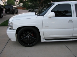 ONE1UP 2004 GMC Yukon Denali