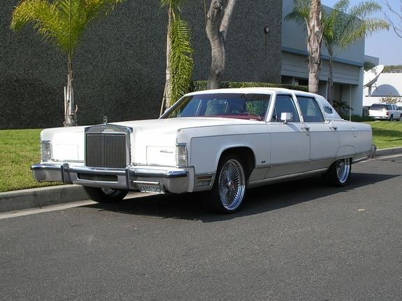 backinthedayla 1977 Lincoln Town Car Specs, Photos