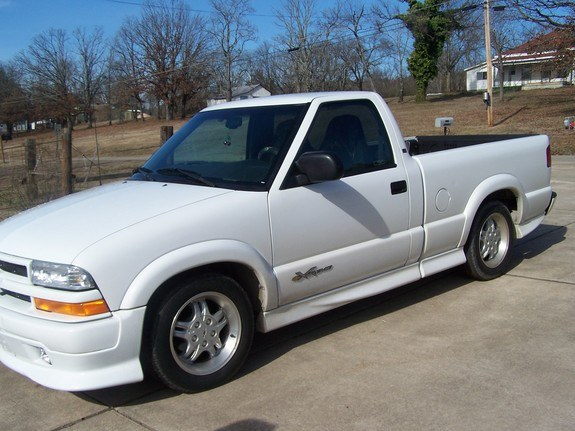 not mybfs truck 2000 chevrolet s10 regular cab specs photos modification info at cardomain. Black Bedroom Furniture Sets. Home Design Ideas