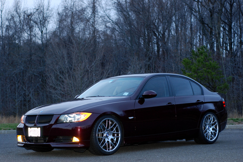 Bmw 2005 Black CLS wheels on my 335.....