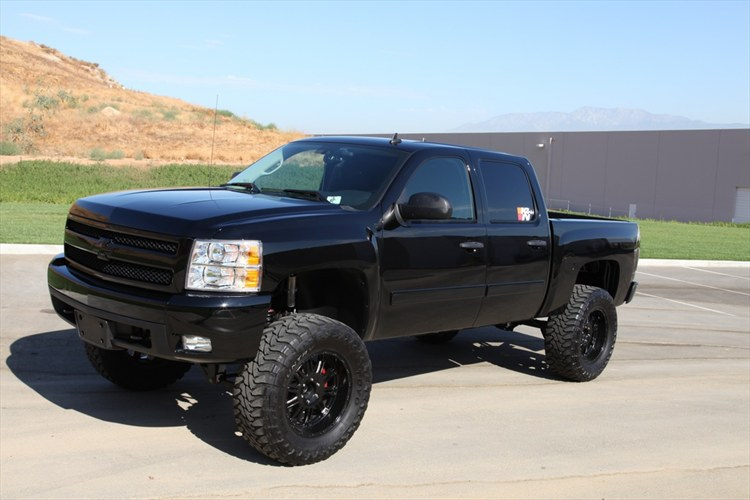 Blacked Out Chevy Silverado Lifted
