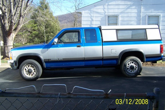 hemitommy 1993 Dodge Dakota Regular Cab & Chassis