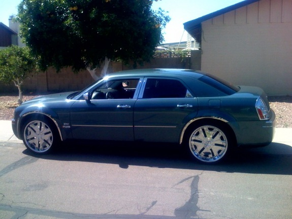 Another drich1 2005 Chrysler 300 post... - 11259740