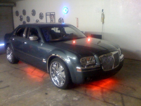Another drich1 2005 Chrysler 300 post... - 11259748